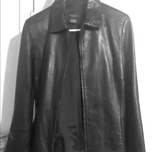 BLACK LEATHER JACKET MEDIUM